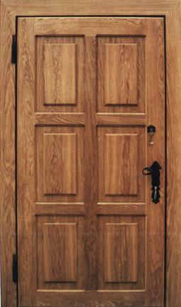 металлические двери с отделкой из массива дерева