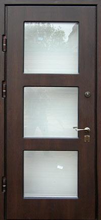 входная дверь со стеклом в солнечногорске